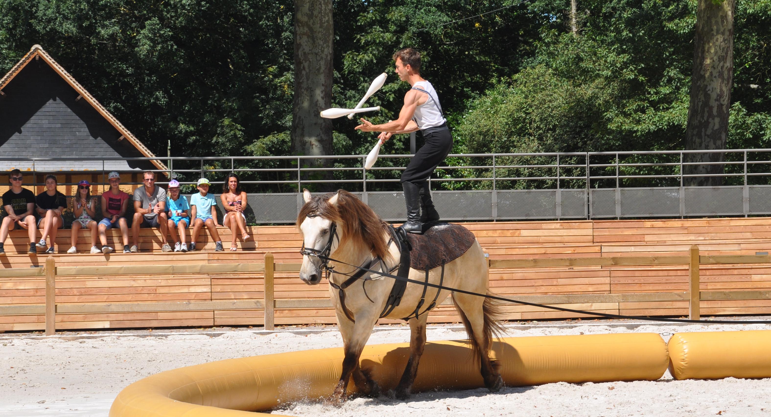 jonglerie à cheval